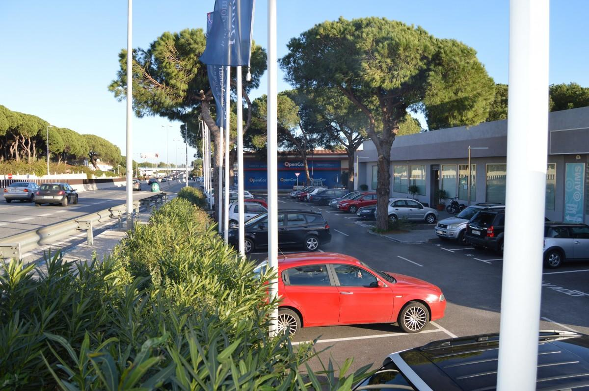 Oficina en alquiler en El Rosario (Marbella), 4.000 €/mes