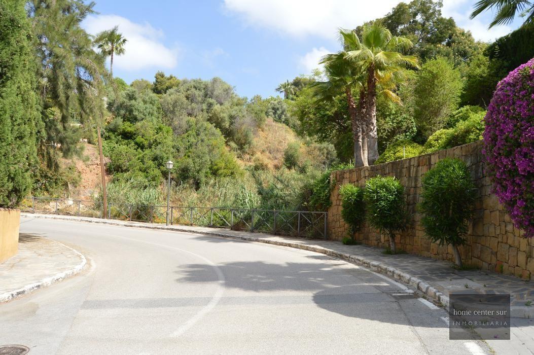 Parcela en venta en Urbanización el Rosario (Marbella), 350.000 €