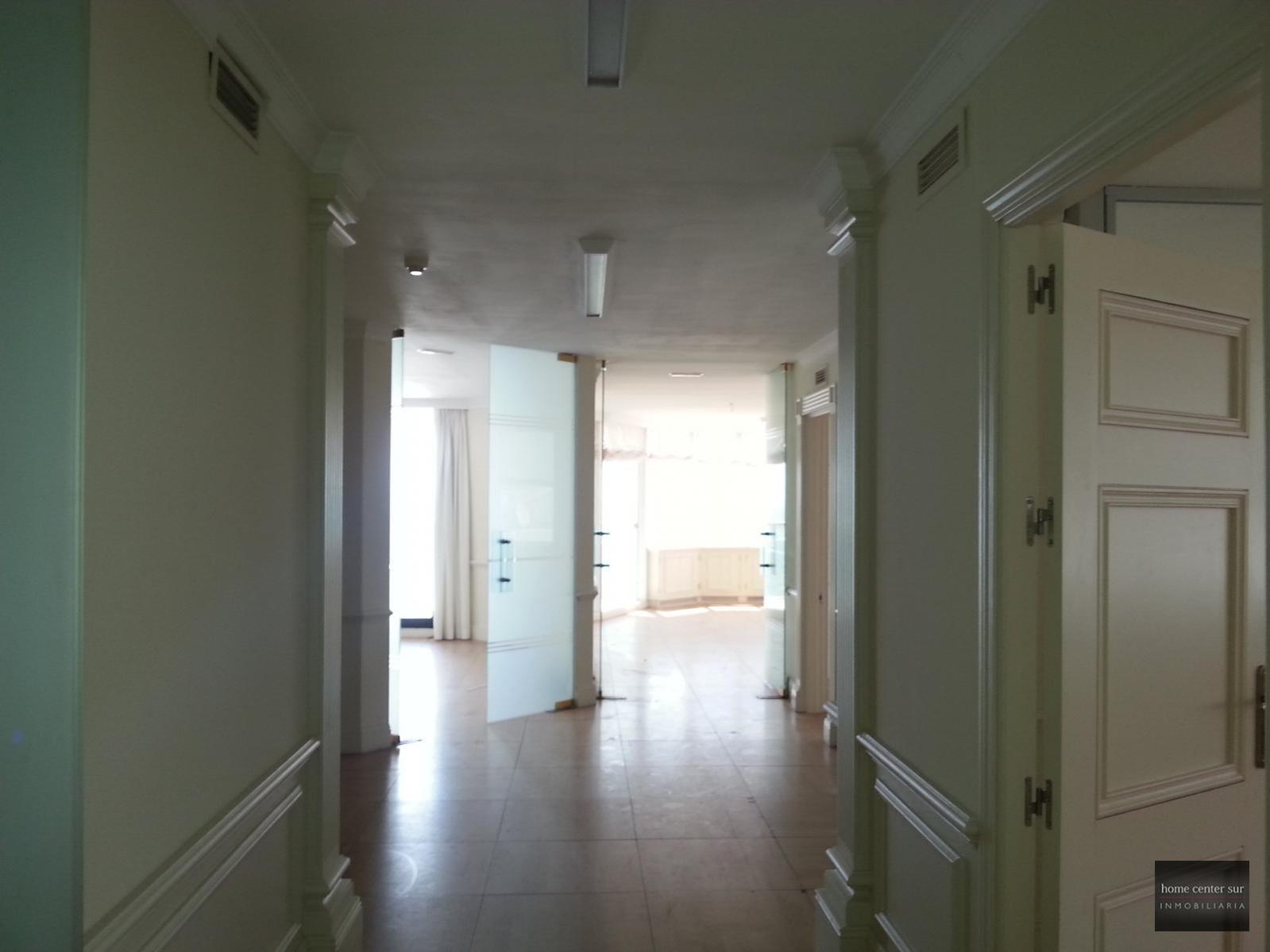 Oficina en alquiler en Avenida Severo Ochoa 30 (Marbella), 2.220 €/mes