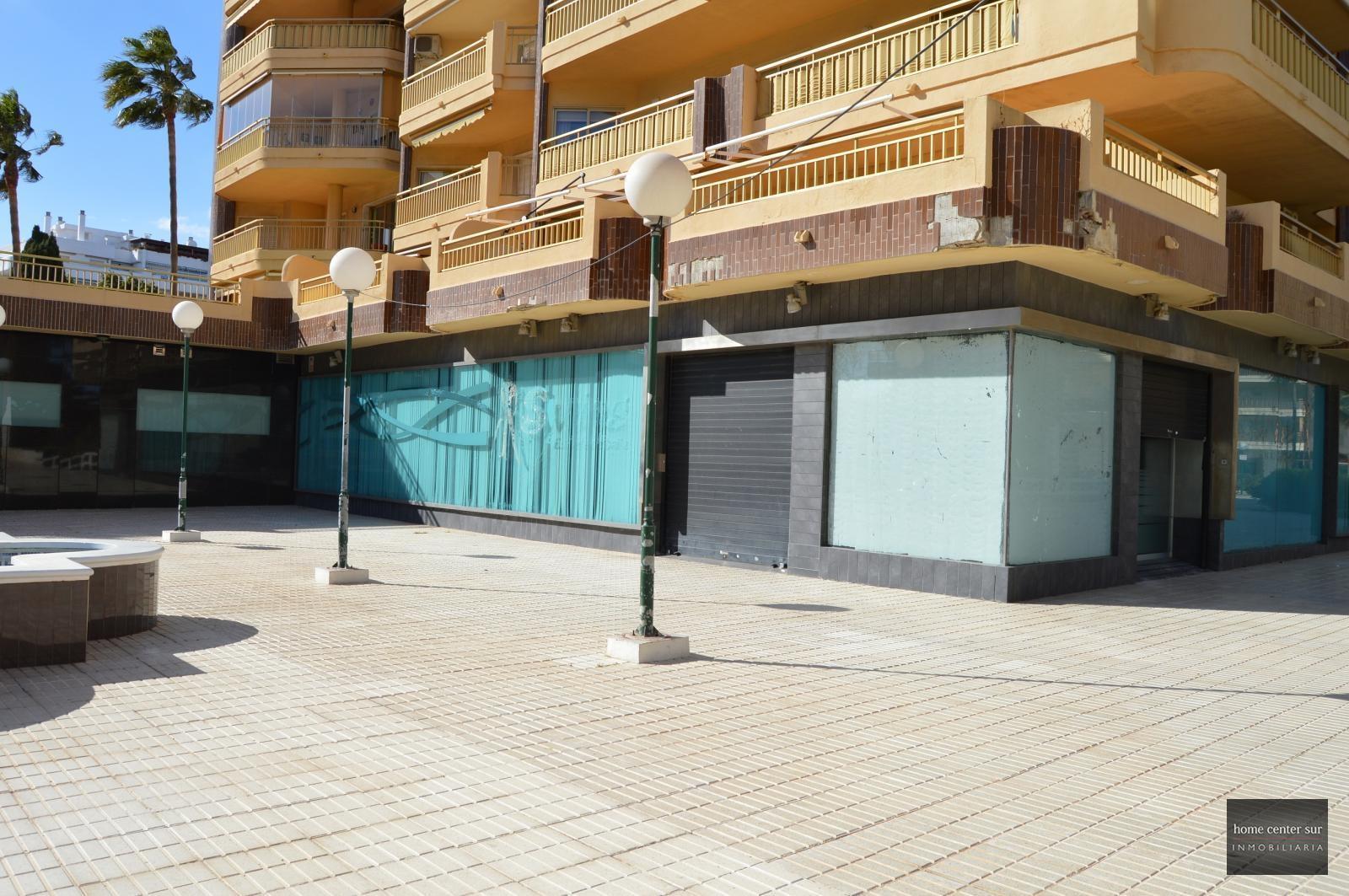 Local en alquiler en Avenida Santa Amalia (Fuengirola), 3.600 €/mes
