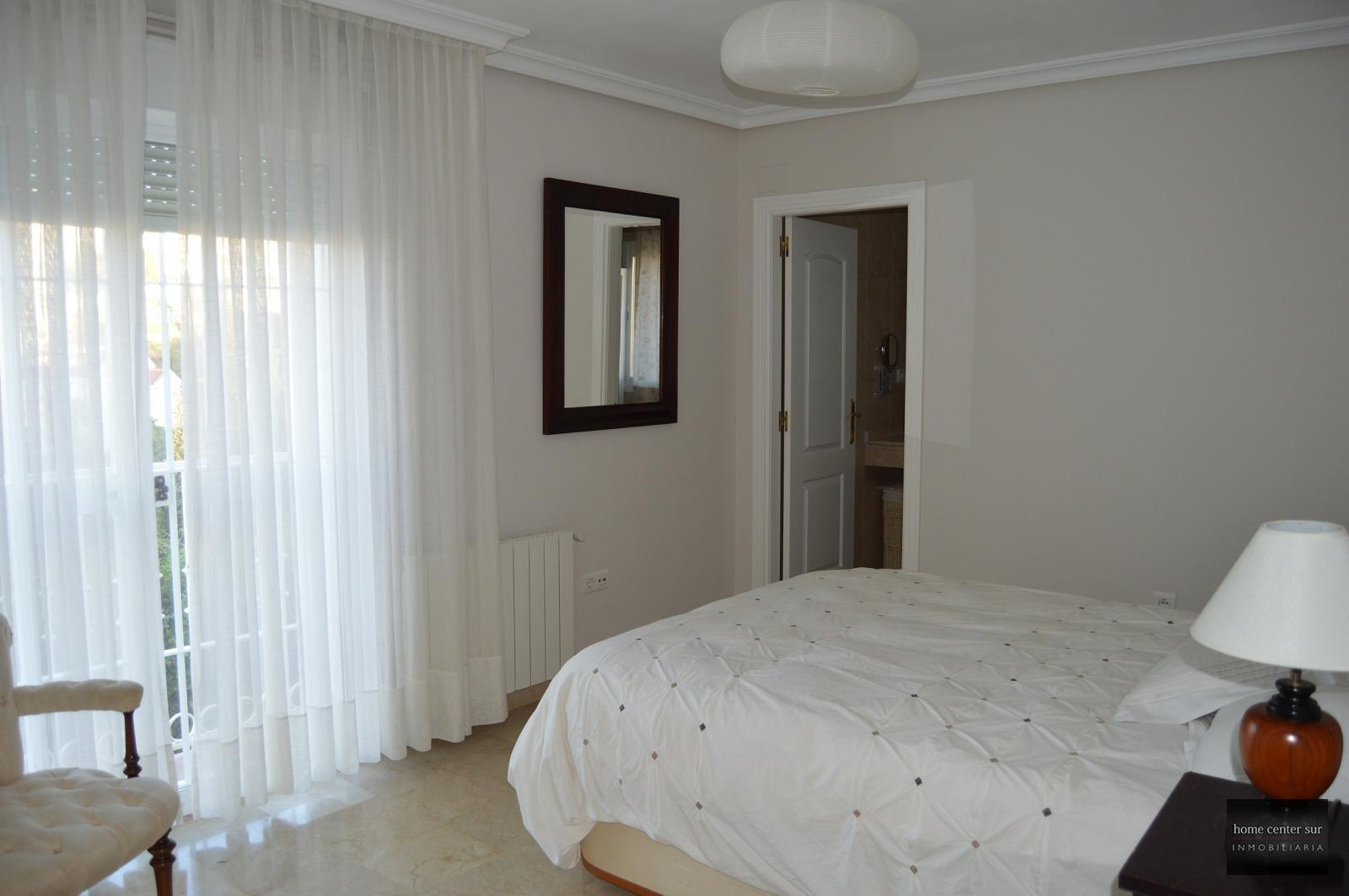 Chalet en venta en Avenida Mare Nostrum (Fuengirola), 419.900 €