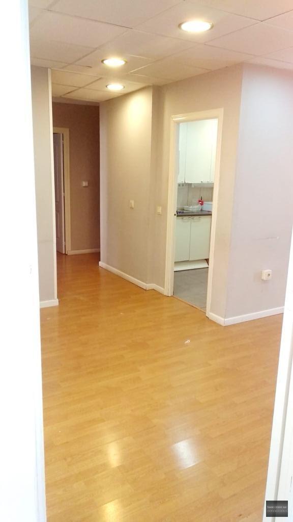Oficina en alquiler en Avenida de los Boliches 70 (Fuengirola), 1.800 €/mes